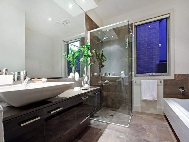 bathroom tiled in drummoyne